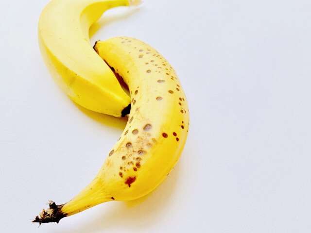 バナナの黒い部分は何?黒くなる原因と防ぐ方法は?食べられる範囲を調査
